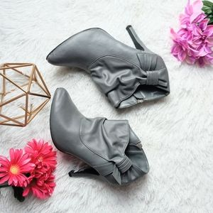 Booted bootie- gray 10